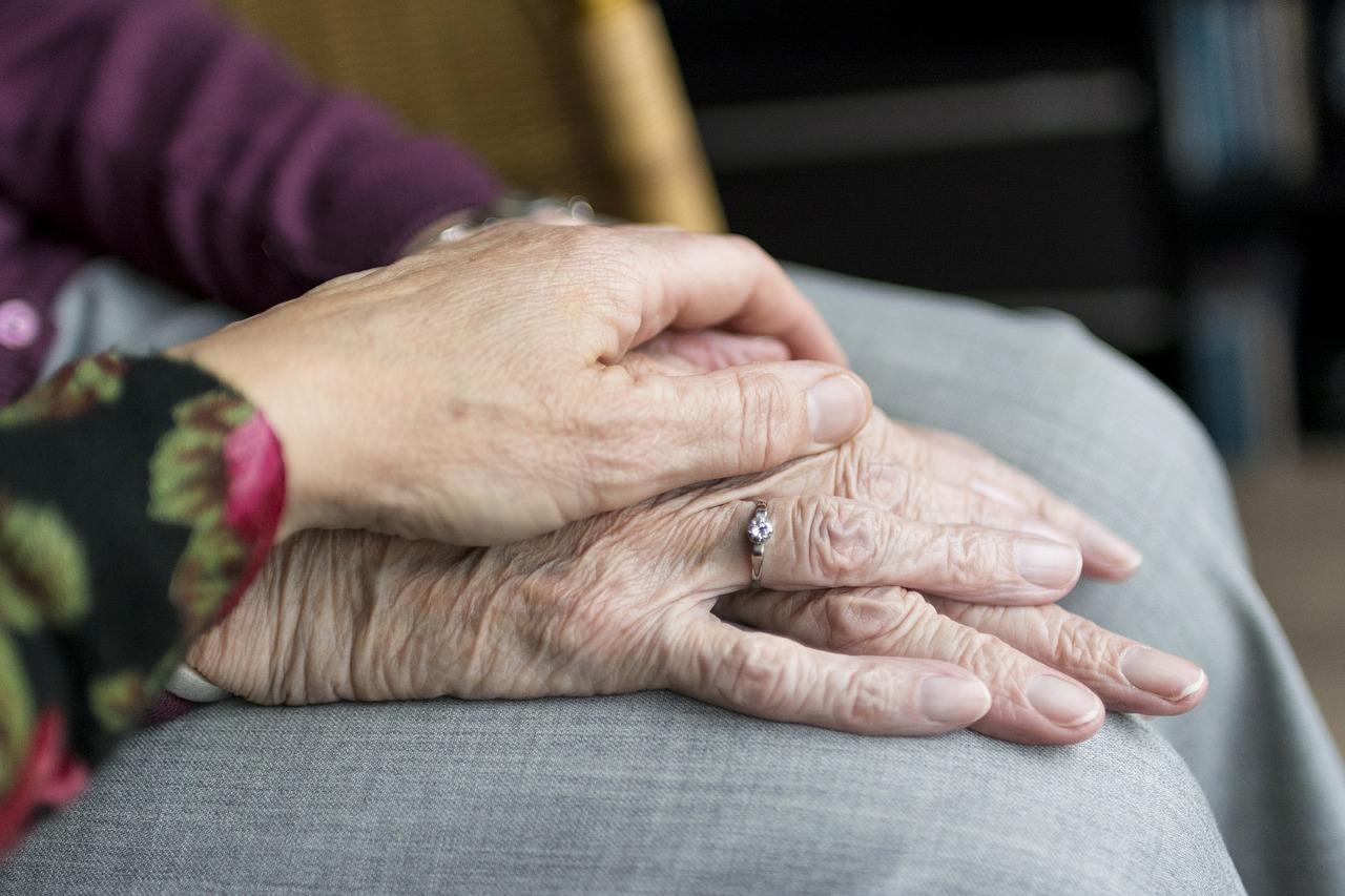 ouderen hand